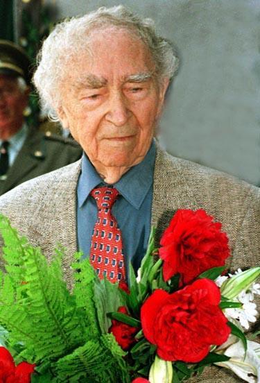 Kvietimas teikti paraiškas Bernardo Brazdžionio literatūros premijai gauti