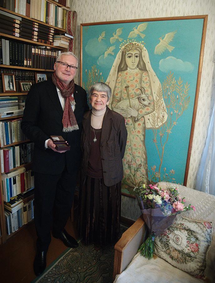 90-metį švenčiančiai poetei Aldonai Elenai Puišytei – Kauno miesto, LR Seimo ir Kultūros ministerijos dėmesio ženklai (papildyta)