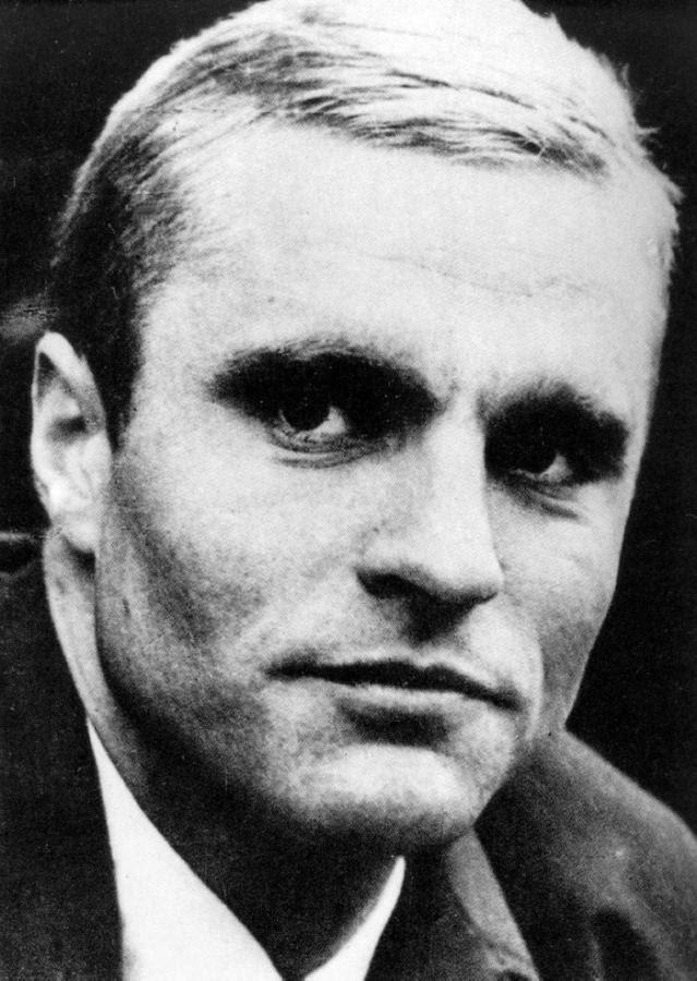 """Alfas Pakėnas. """"Bronius Radzevičius. Rašė sau, o parašė visam pasauliui"""" (I)"""