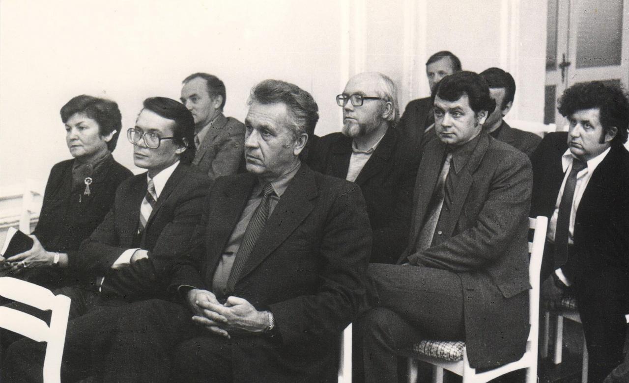 Rašytojų sambūris Kauno menininkų namuose, 1982