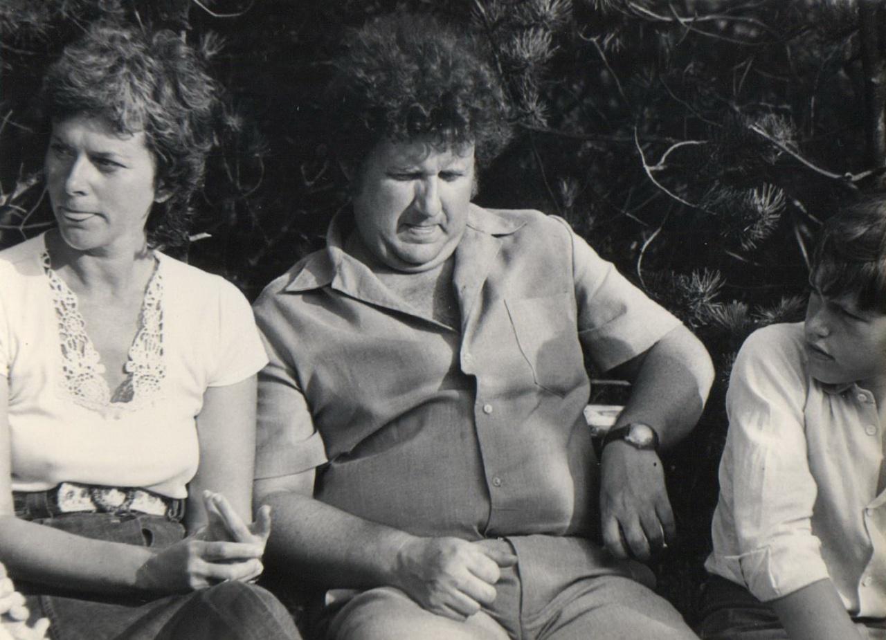 Režisierė I. Bučienė ir A. Mikuta, 1983 m. Nida
