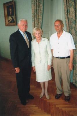 S. Abromavičius su prezidentu V. Adamkumi ir jo žmona Alma, 2013.