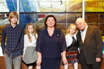 A. Dabulskis su šeima