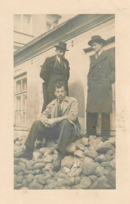 Poetai Kazys Zupka-Kecioris, Mykolas Linkevičius ir Klemensas Dulkė