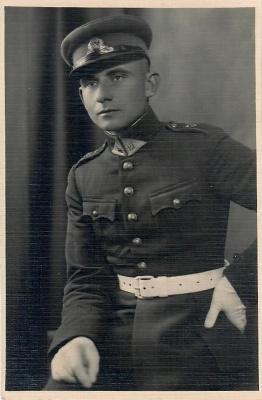 Poetas Kazys Zupka-Kecioris, baigęs karo mokyklą