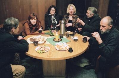 Rašytojai Kauno viešosios bibliotekos kavinėje